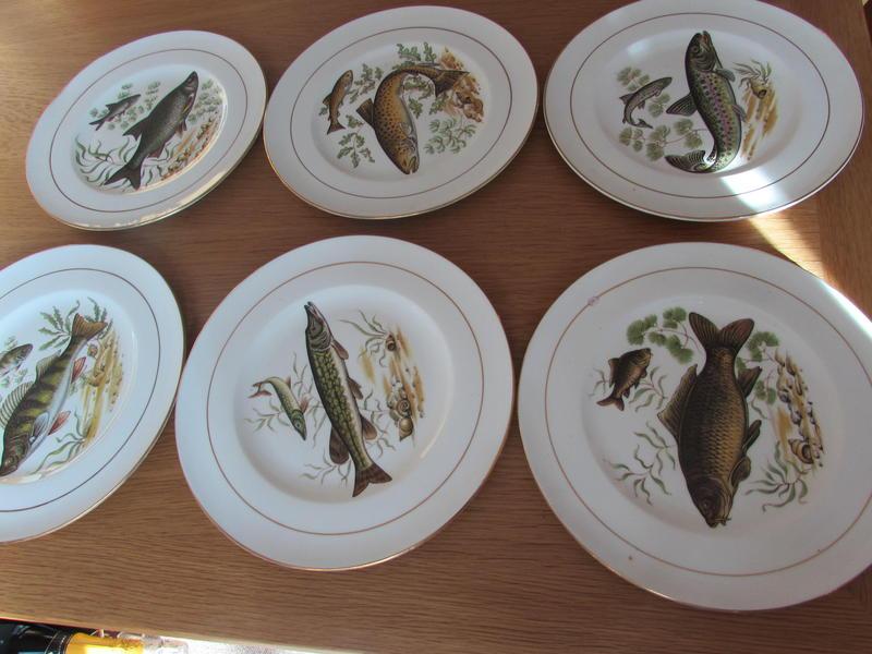 SIX VINTAGE DORCHESTER FINEST BONE CHINA FISH PLATES