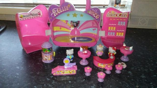 hello kitty candy store and roller disco carrying casep