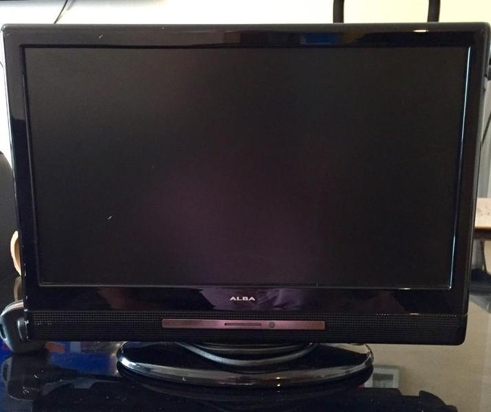 Alba 16inch i LCD TV with integrated Freeview with one