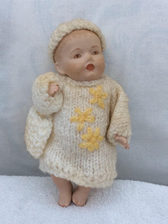 Vintage Collectable handmade porcelain doll 17.5cms