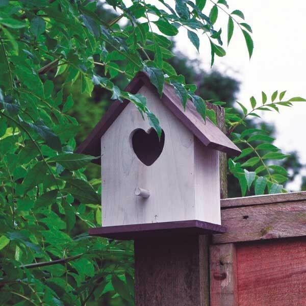 Wooden Love Heart Nesting Bird Box House For Small Wild