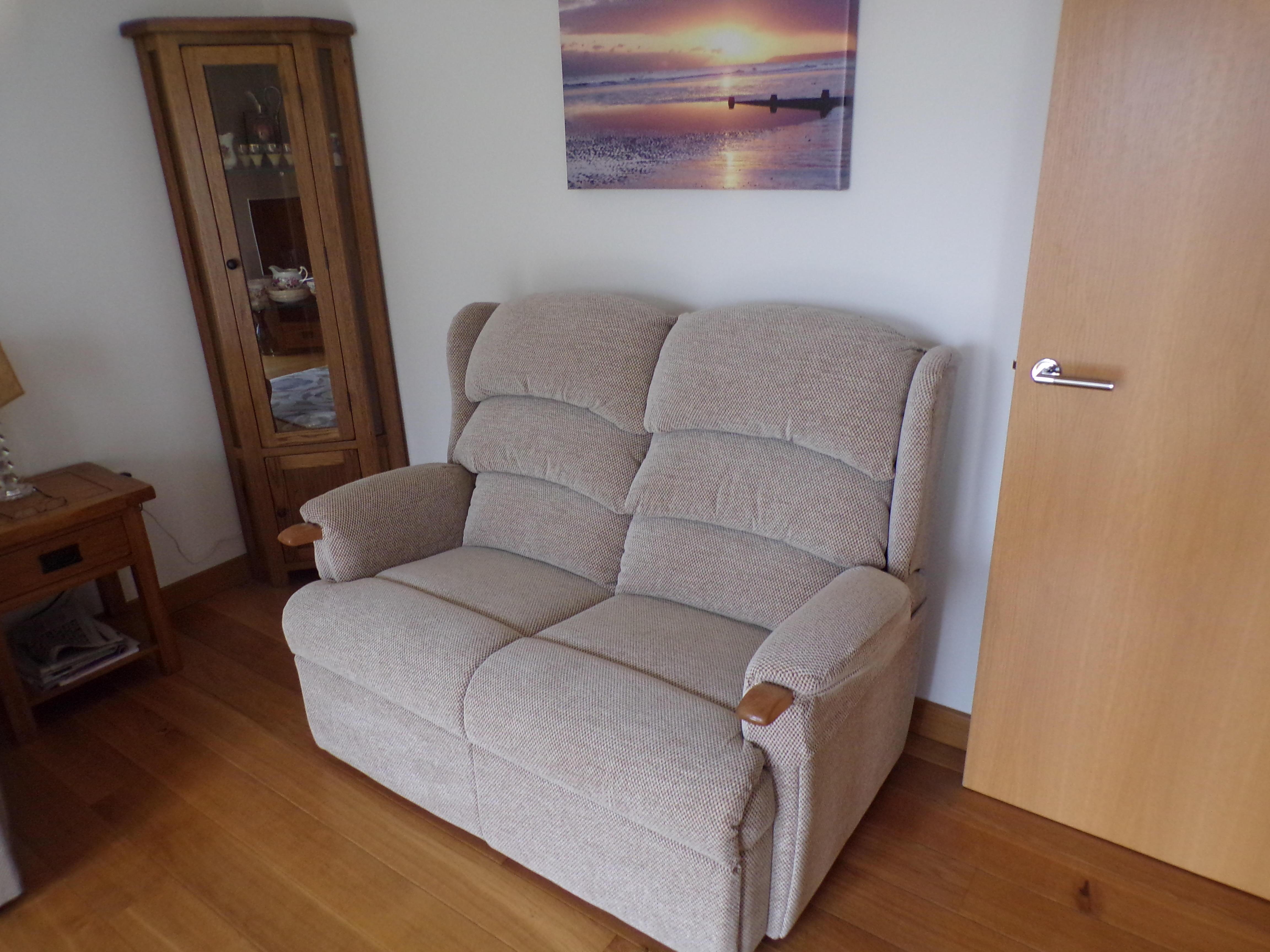Hsl haydock luxury reclining swivel worthing | Posot Class