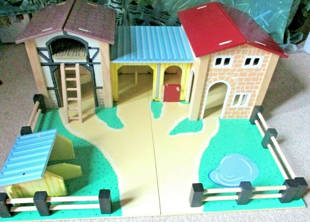 Le Toy Van Wooden Farm Base and Buildings TV410 - Good