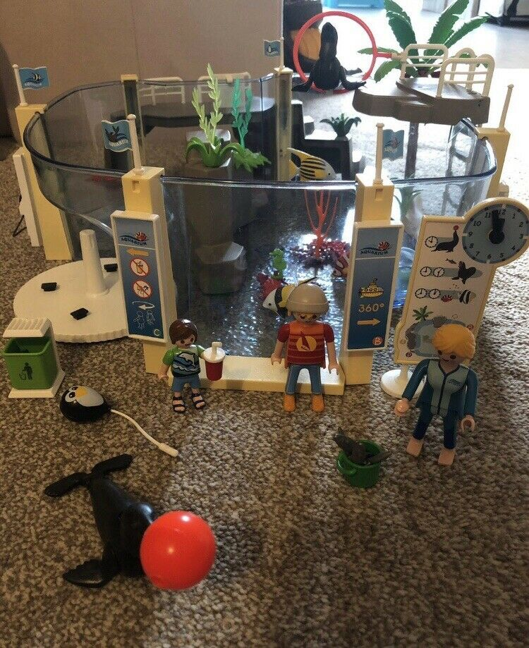 Playmobil  Family Fun Aquarium Fillable Water Enclosure