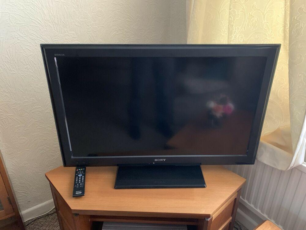 Sony TV KDL-37S LCD Digital Colour TV
