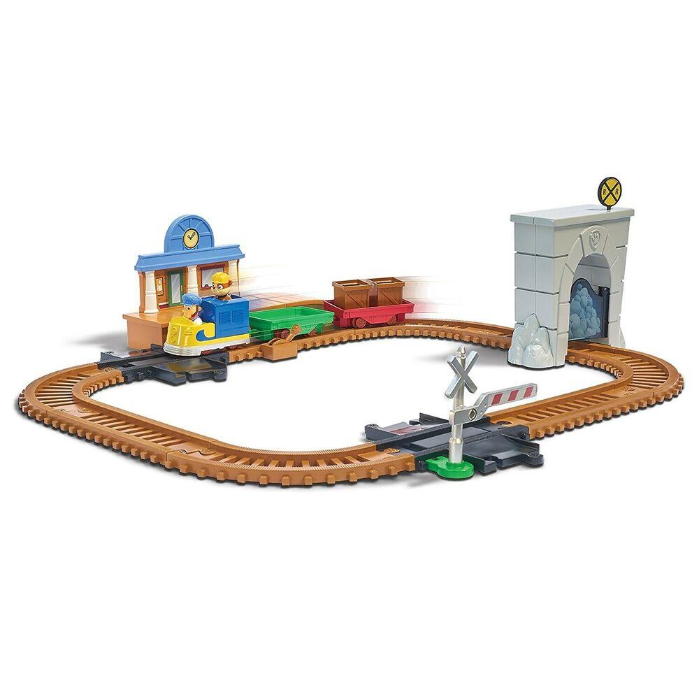 Spin Master Paw PatrolOn A Roll Rescue Train Set. Free