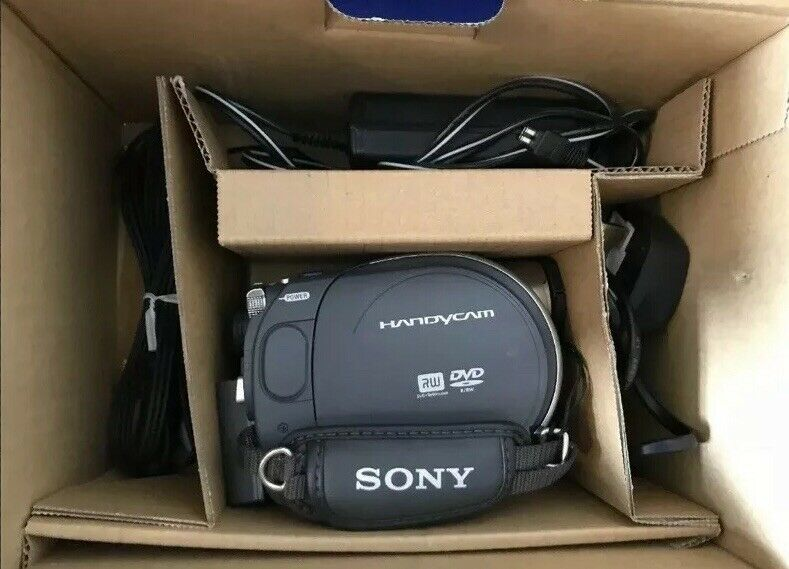 SONY DCR-DVD105E DIGITAL VIDEO CAMERA RECORDER EXCELLENT