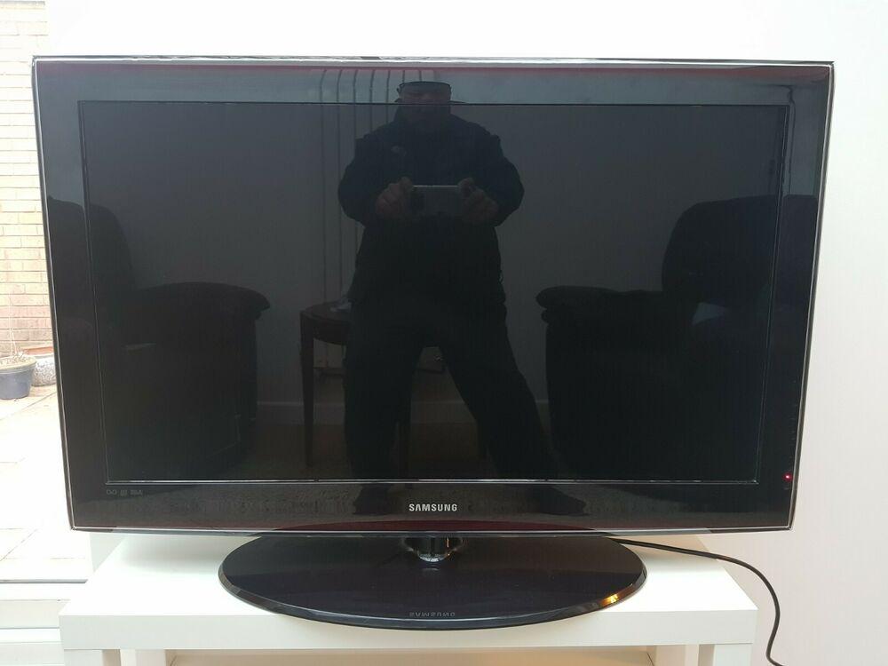 "Samsung 40"" inch p HD LCD Television Series 6"