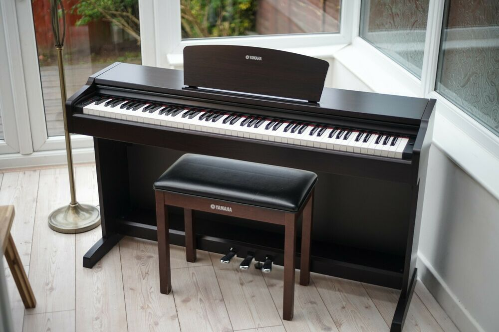 Yamaha Arius YDP 131 Full size Digital Piano 88 key weighted