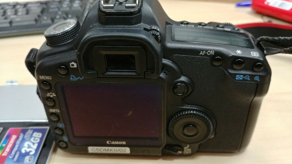Canon EOS 5D Mark II 21.1MP 3 inch LCD Display Digital SLR