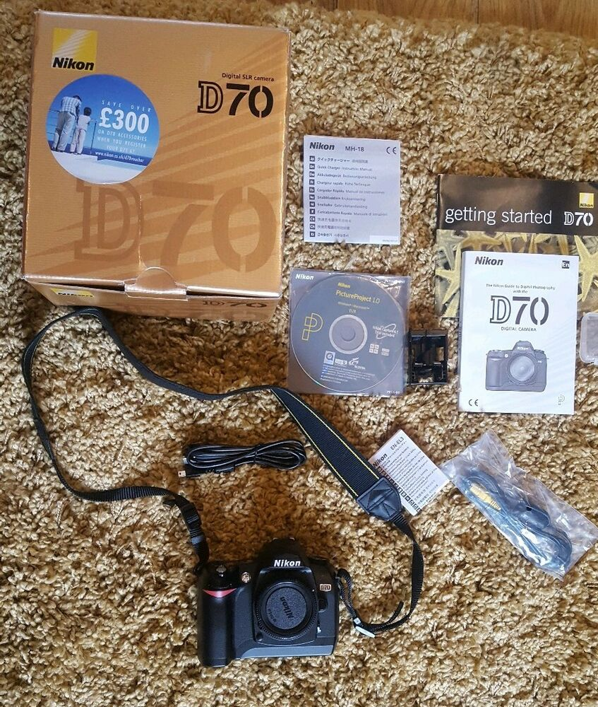 Nikon D70 Digital-SLR DSLR Camera body. Boxed with