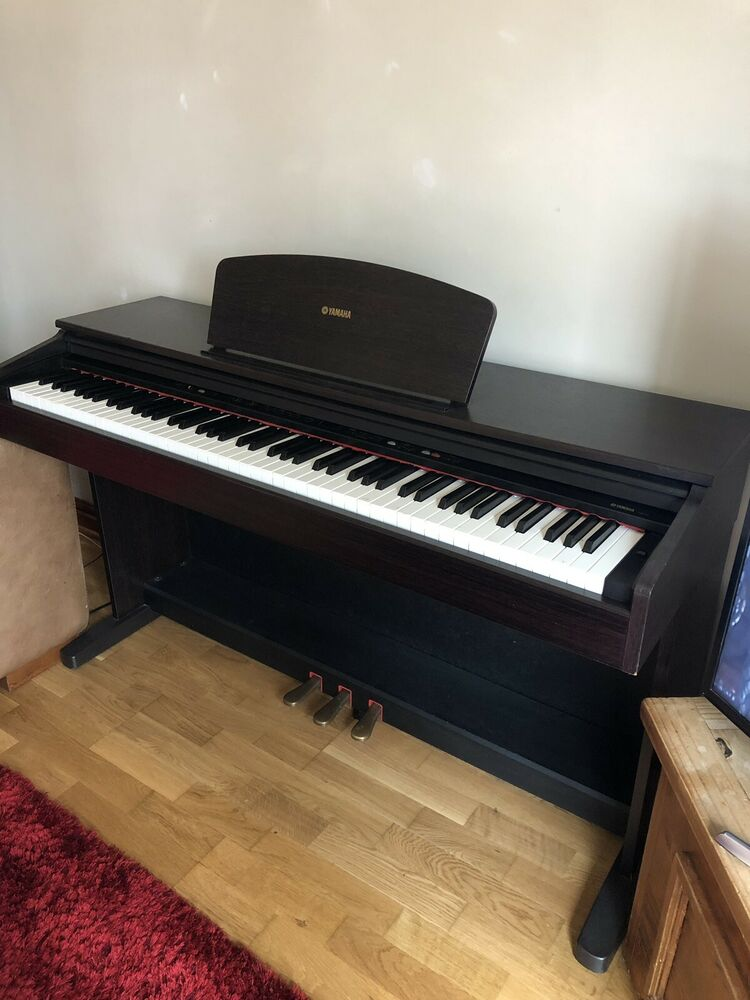 Yamaha YDP 121 Digital Piano