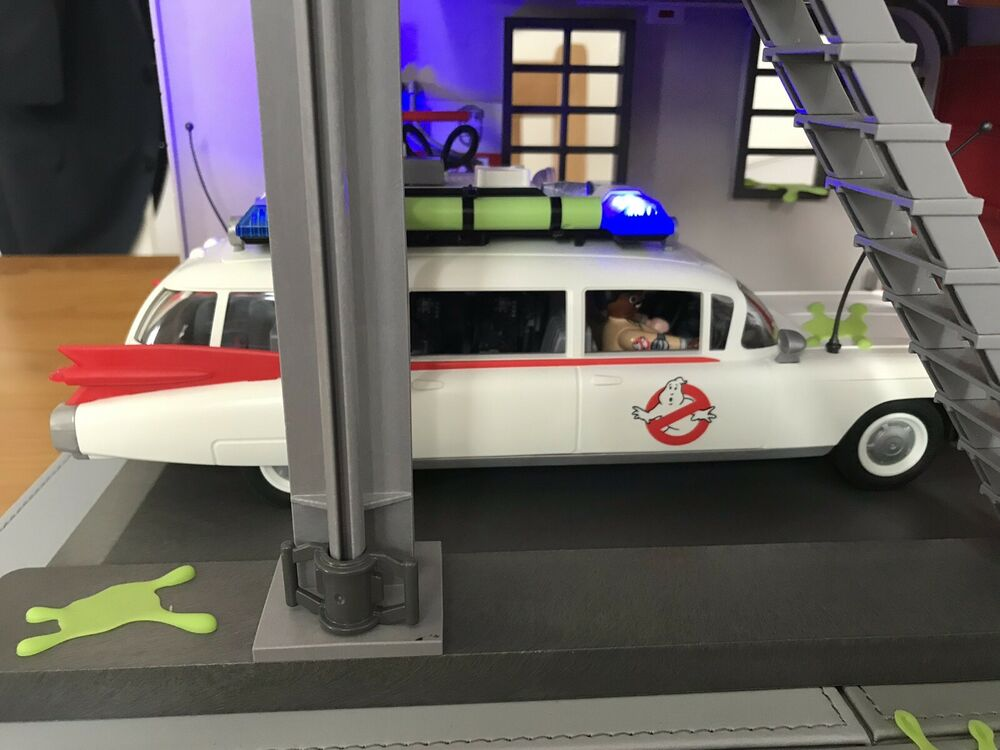 PLAYMOBIL  Ghostbusters Ecto 1 Ambulance Only