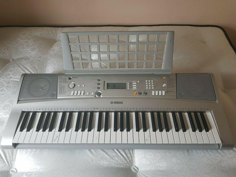 Yamaha PSR e303 Workstation Keyboard