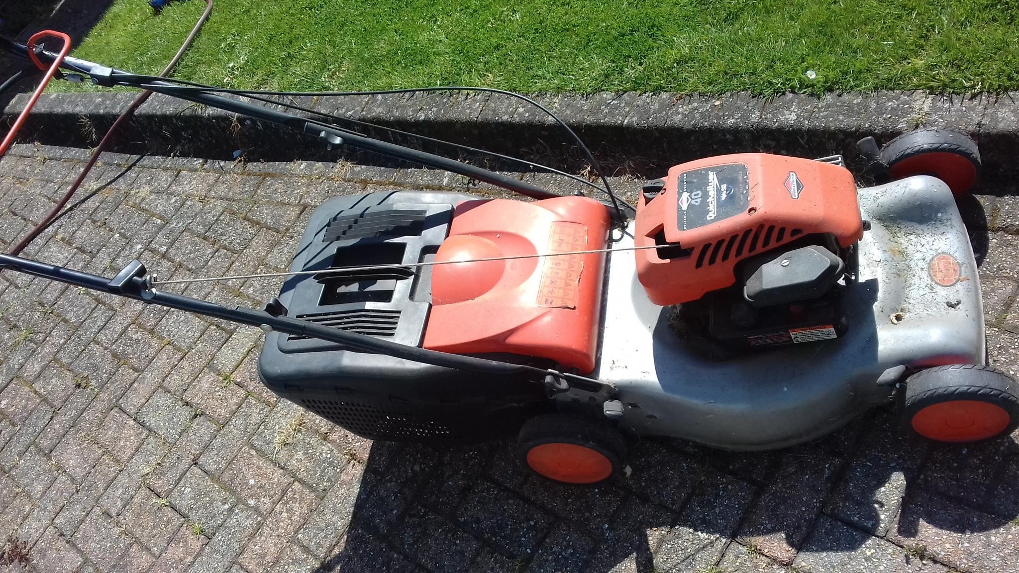 Flymo 40 lawn mower 46SD petrol