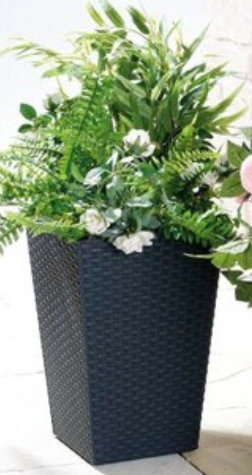 Large KETER Rattan-Style Planter 43 cm Square Flower Pot