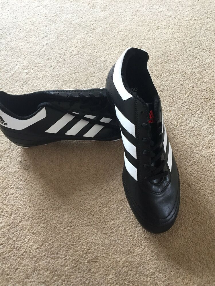 adidas Size 7.5 Football Boots - New Without Box