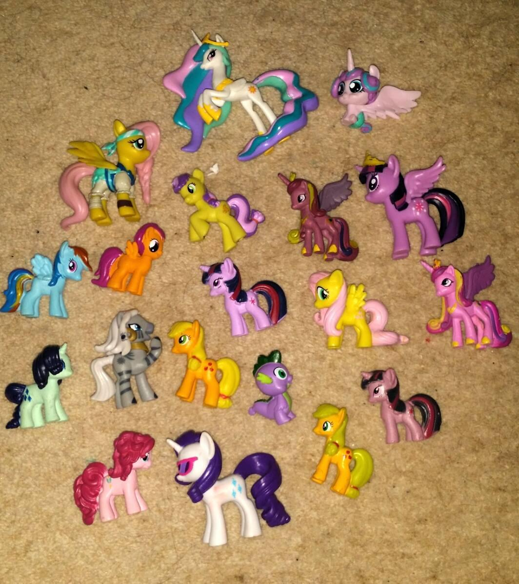 COLLECTION OF MY LITTLE PONY MINIATURE TOYS