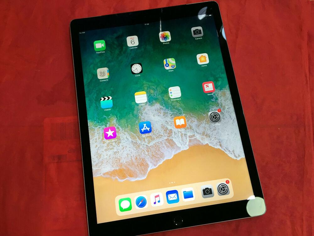 Apple iPad Pro 1st Gen 128GB, Wi-Fi 4G (Unlocked), 12.9in -