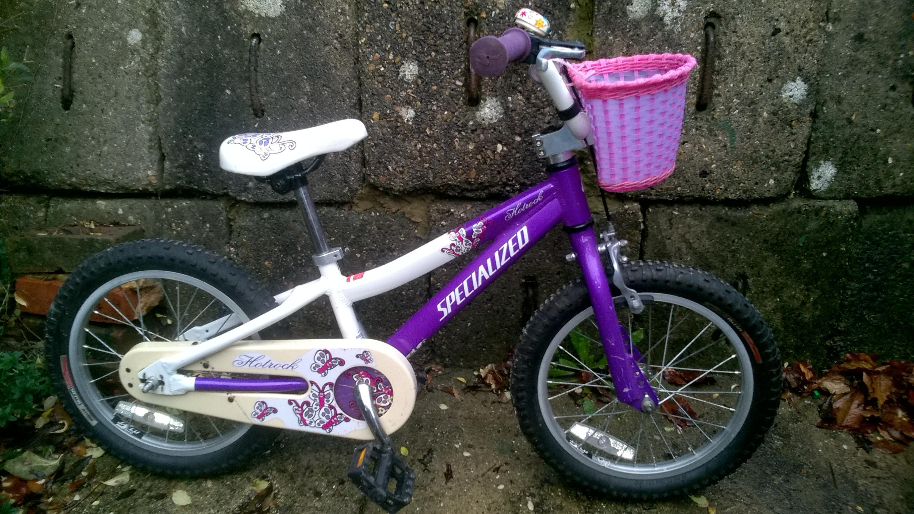 Girls Bike for sale for 3 to 7 year old.