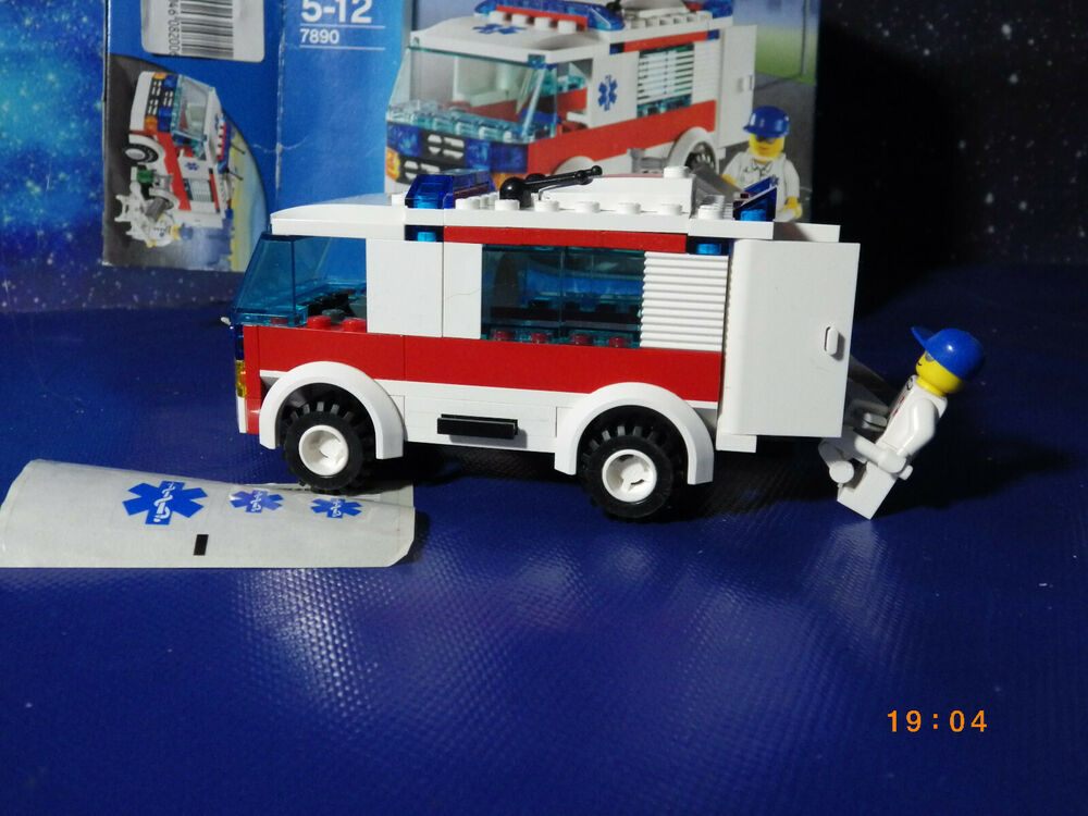 Lego Set  City Ambulance 100% Complete With instructions