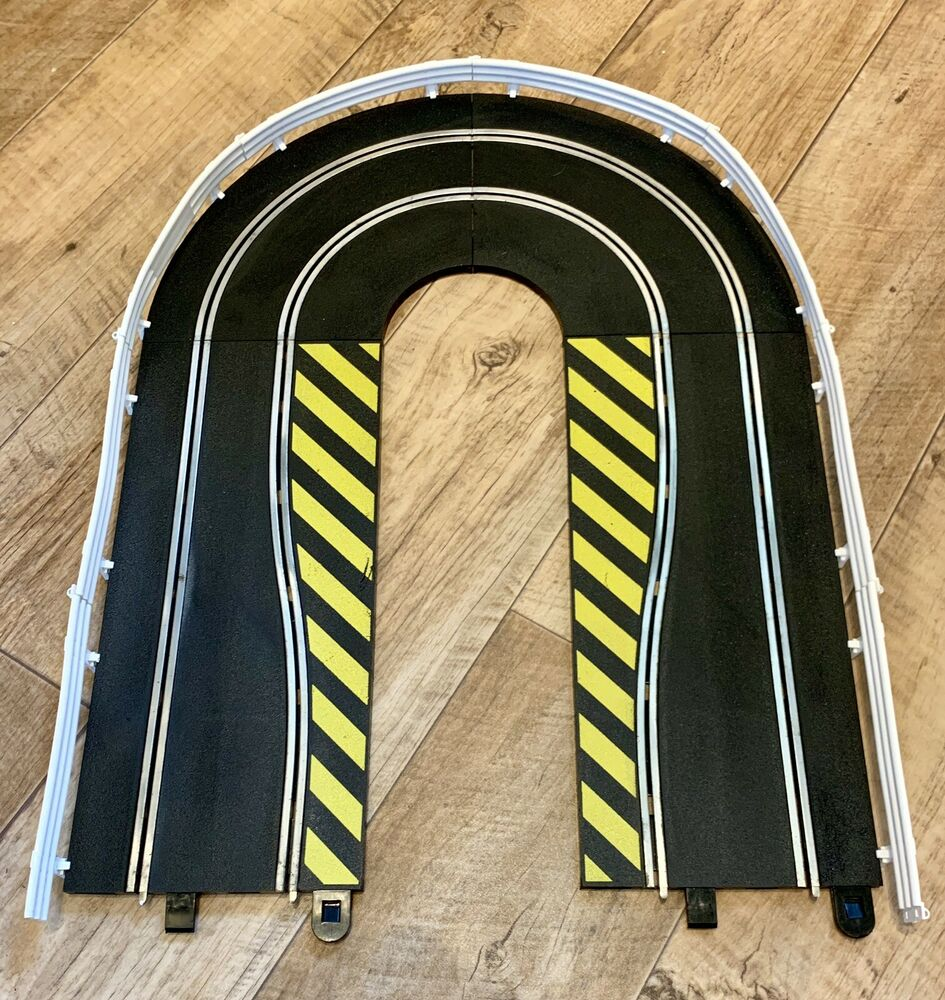 SCALEXTRIC SPORT TRACK DIGITAL TRACK EXTENSION WITH BARRIERS