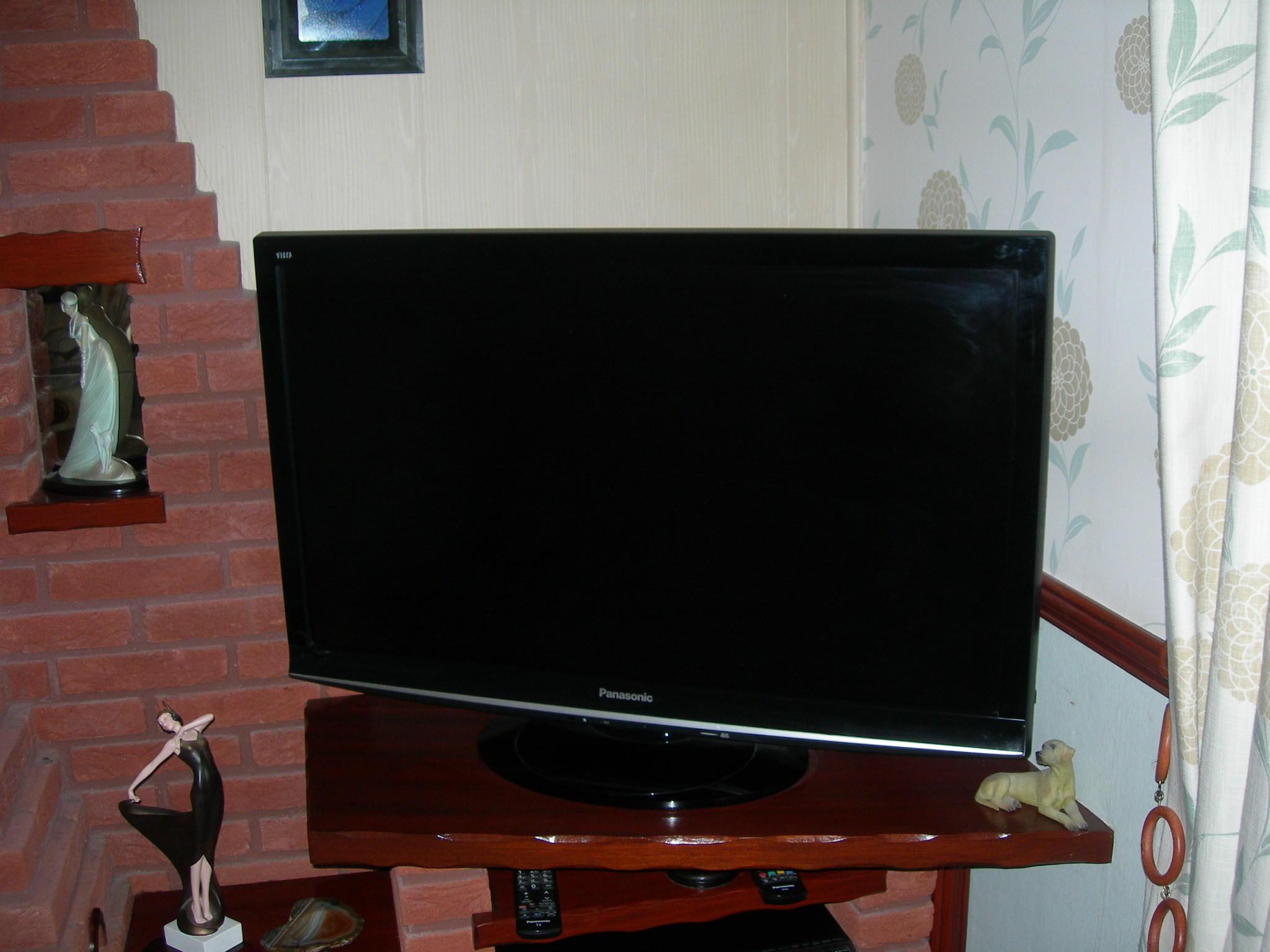 PANASONIC VIERA LCD TELEVISION TX - L37G10B With Free View