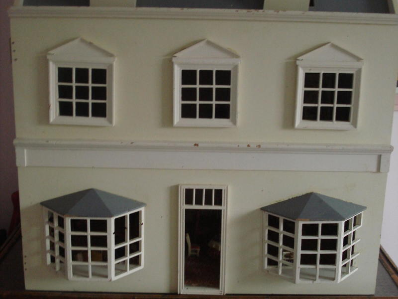 Large Dolls House, Project