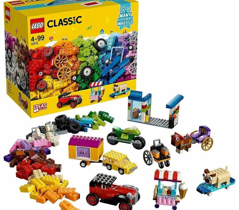 LEGO  Classic Bricks On A Roll 442 Piece Brick Box Set