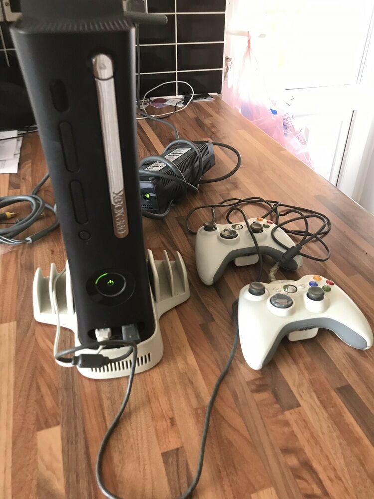 Microsoft Xbox 360 Elite 120 GB Black Console with FIFA 10 &