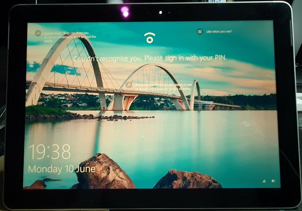 Microsoft Surface Go 64GB, Wi-Fi, 10in - Silver near mint