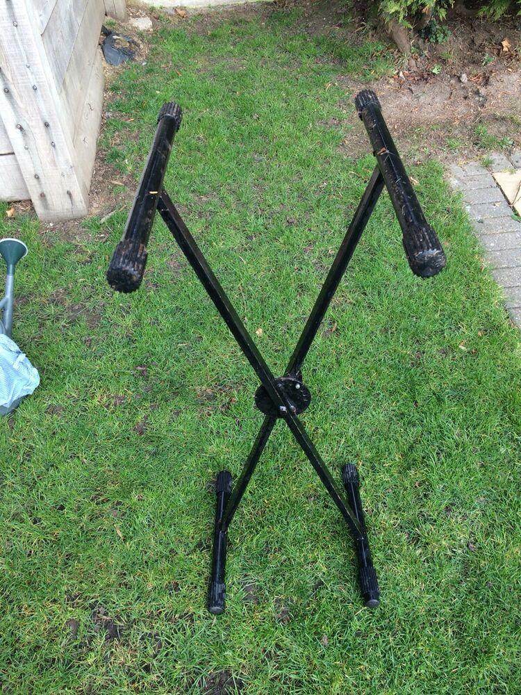 2 X QuikLok - Trigger-Lok Double Braced Keyboard Stand