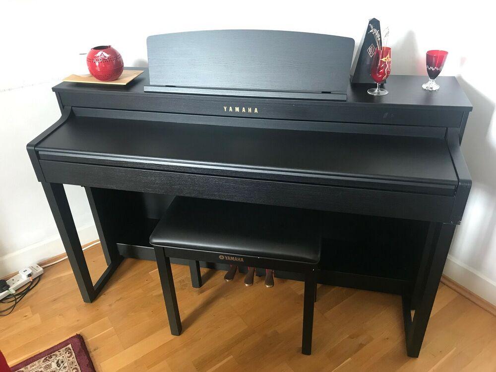 Yamaha Clavinova CLP-440 Digital Piano