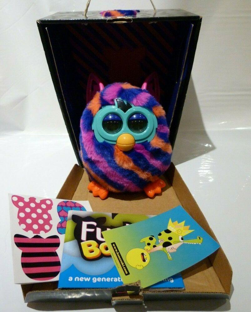 Sort after Furby Boom Diagonal Stripes Electronic Pet