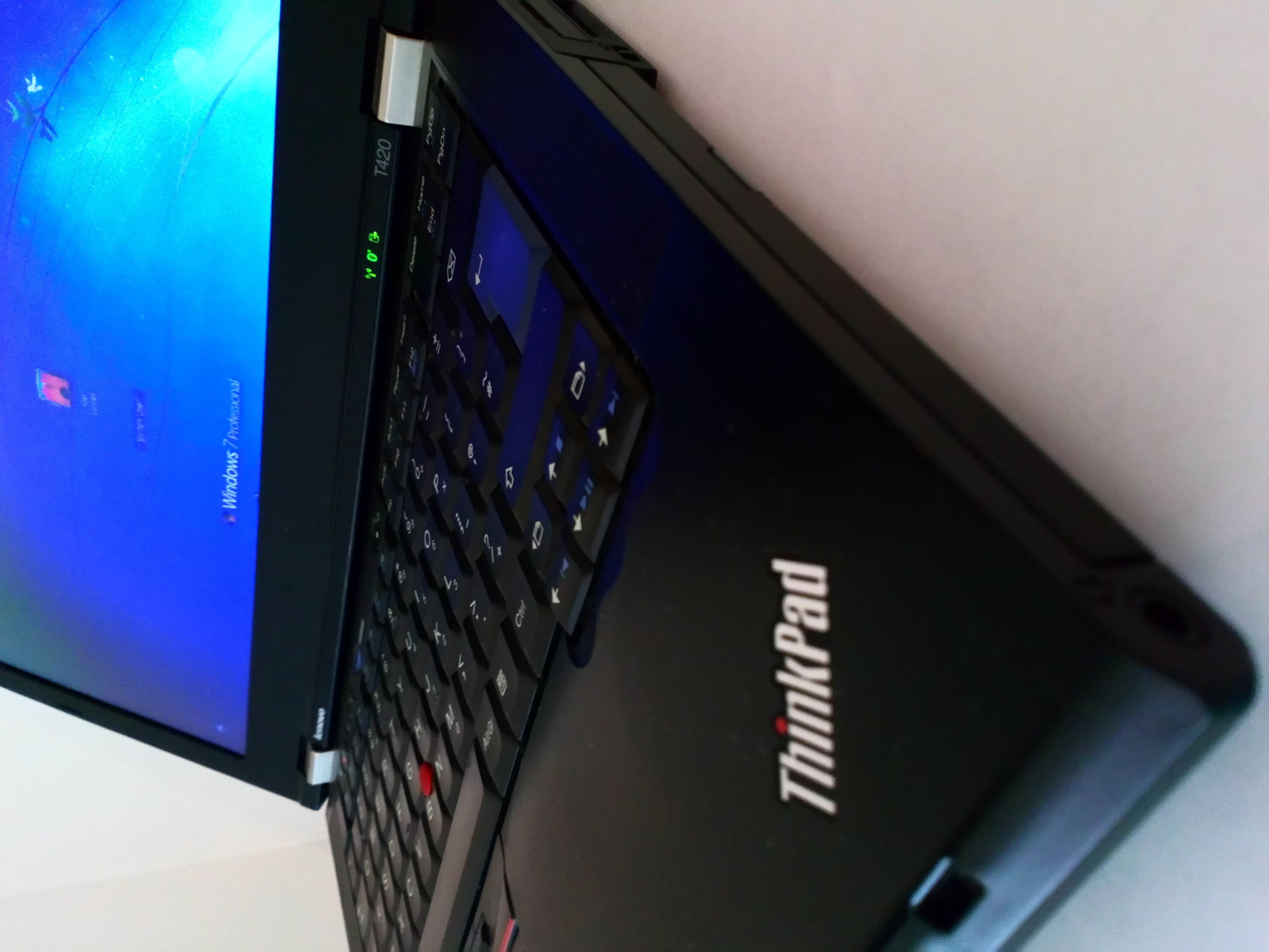 Lenovo Thinkpad 4GB - NEEDS NEW BATTERY