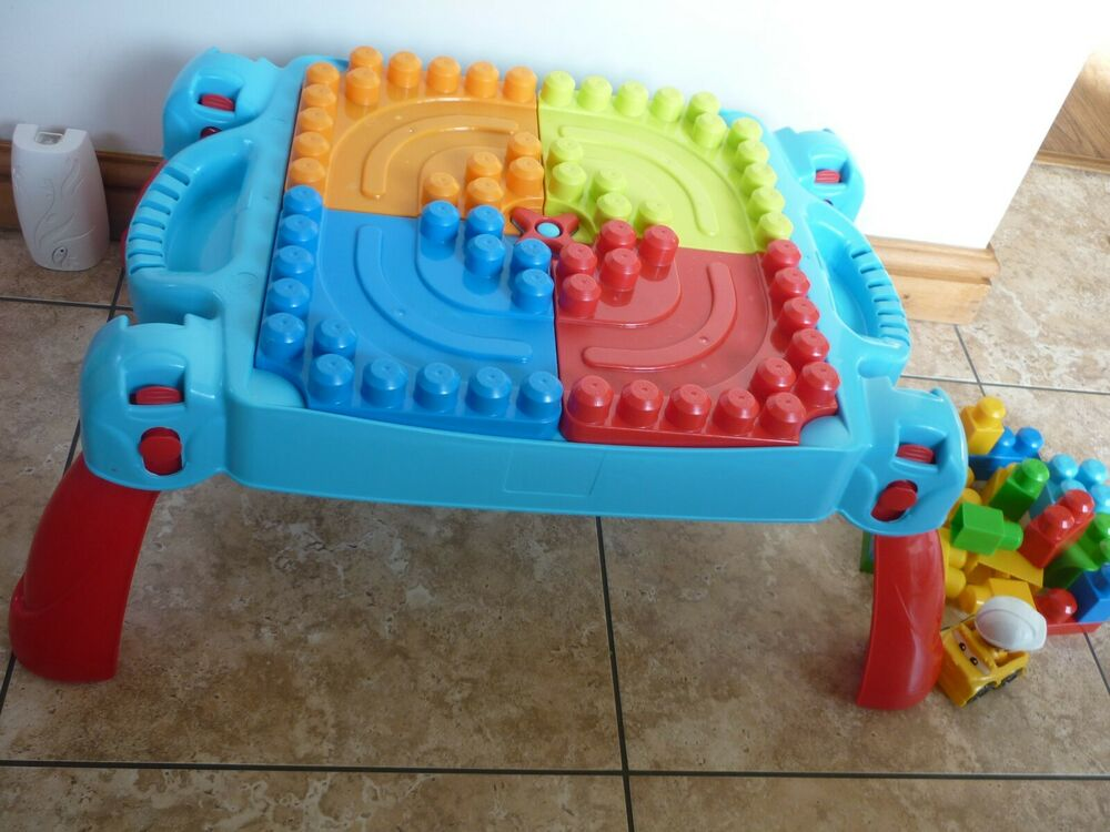 Mega Bloks Play 'n Go Table First Builders Table & Extra