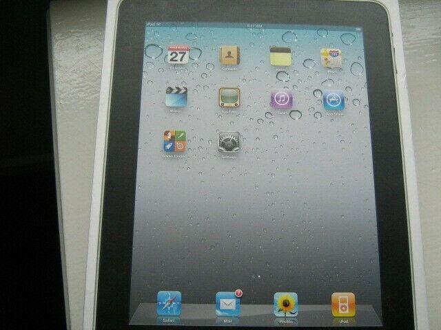 Apple iPad 16GB Wi-Fi Tablet