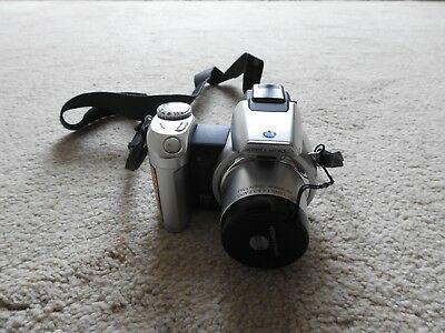 Konica Minolta DiMAGE Z2 4.0MP Digital Camera - Silver (Kit