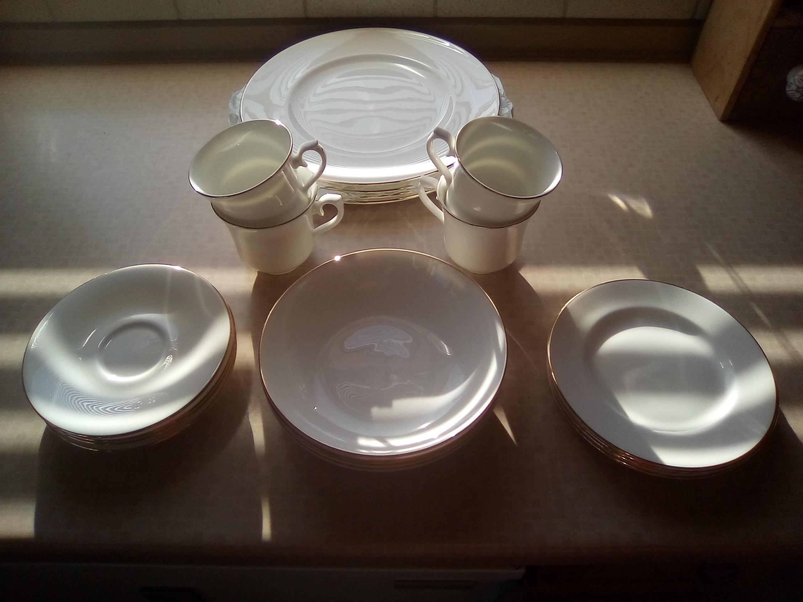 Queen Anne bone china 20 piece set