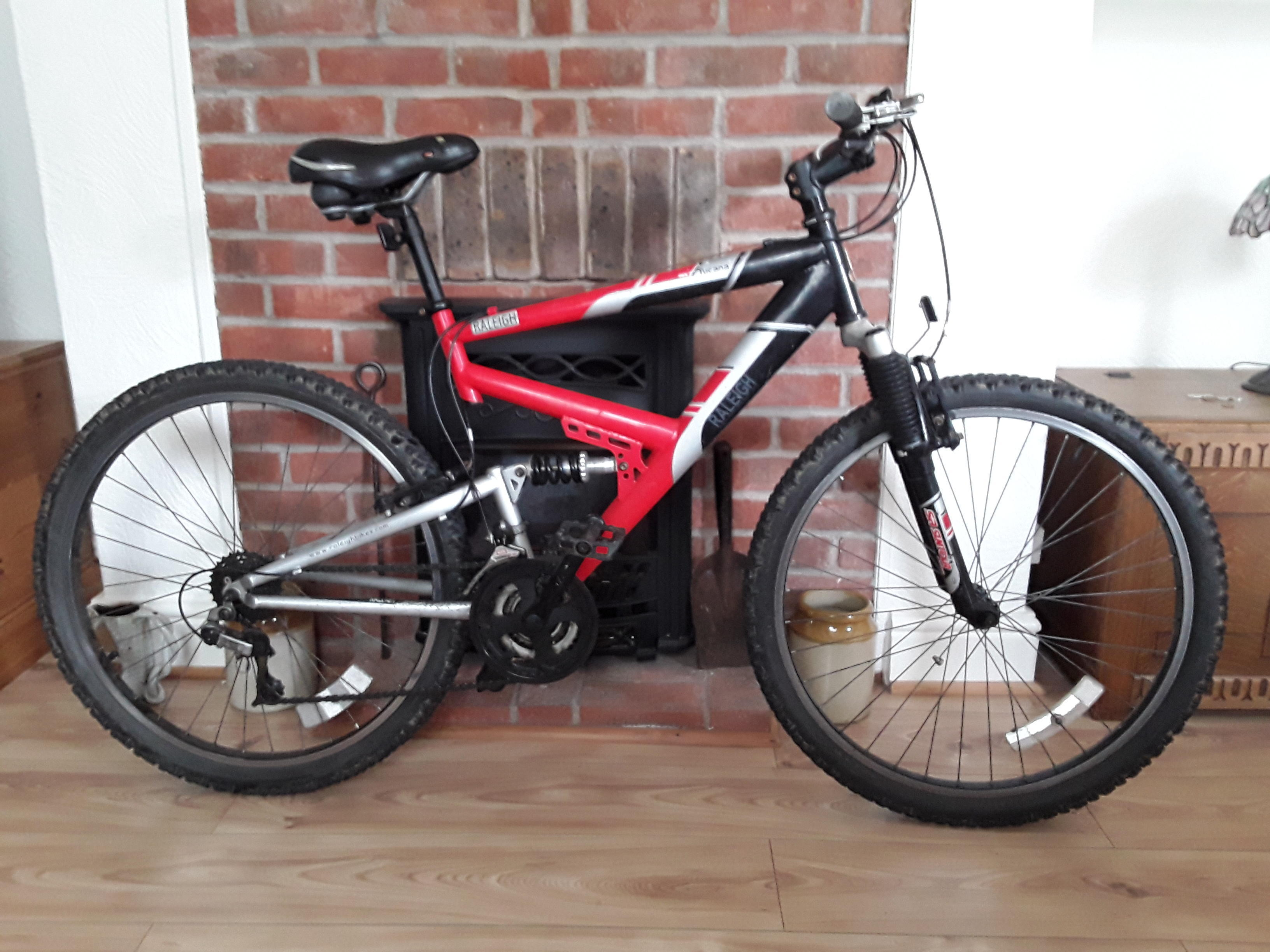 Mens Raleigh Tucana Mountain Bike