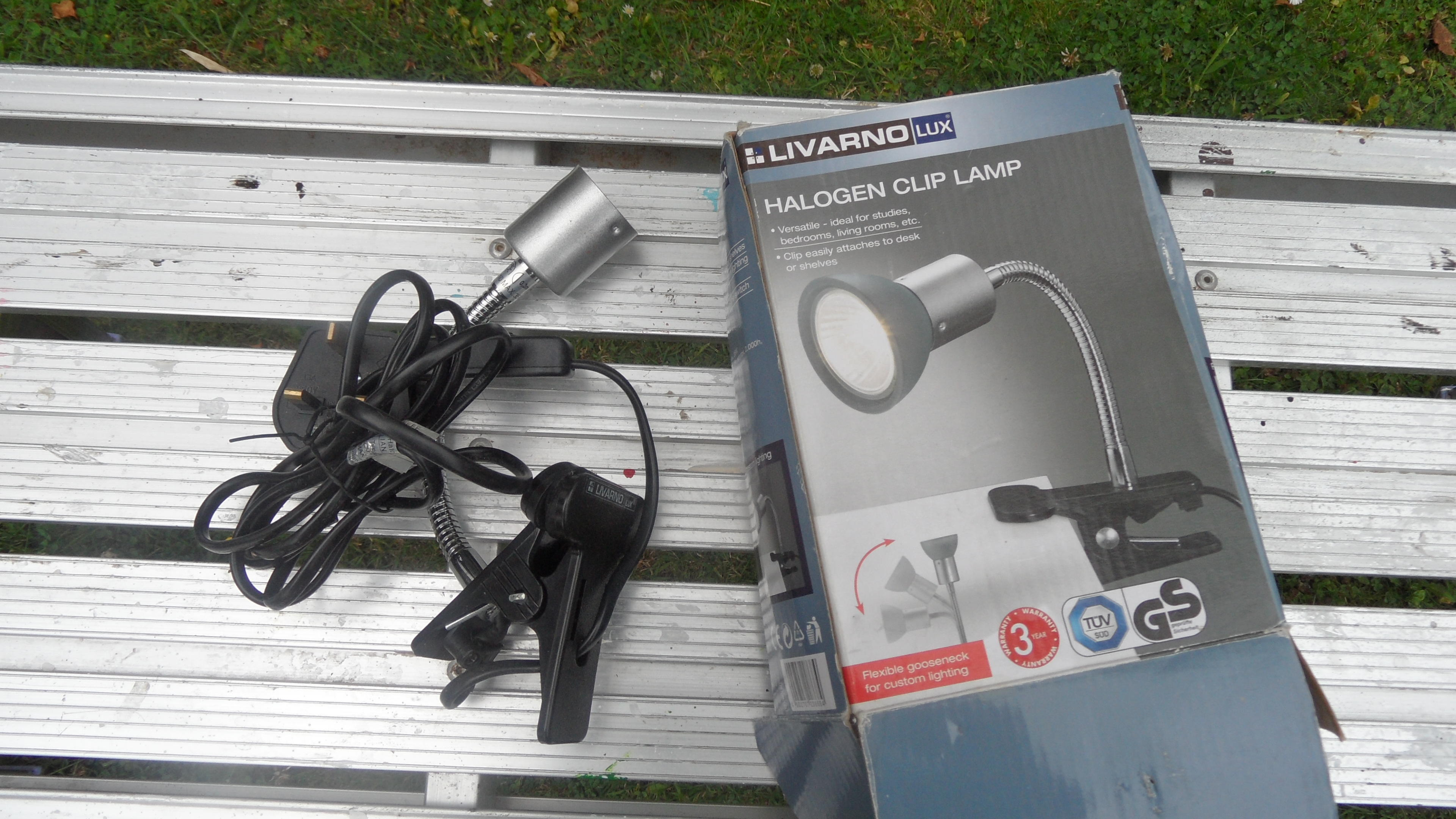 Clip on Halogen lamp with flexible arm