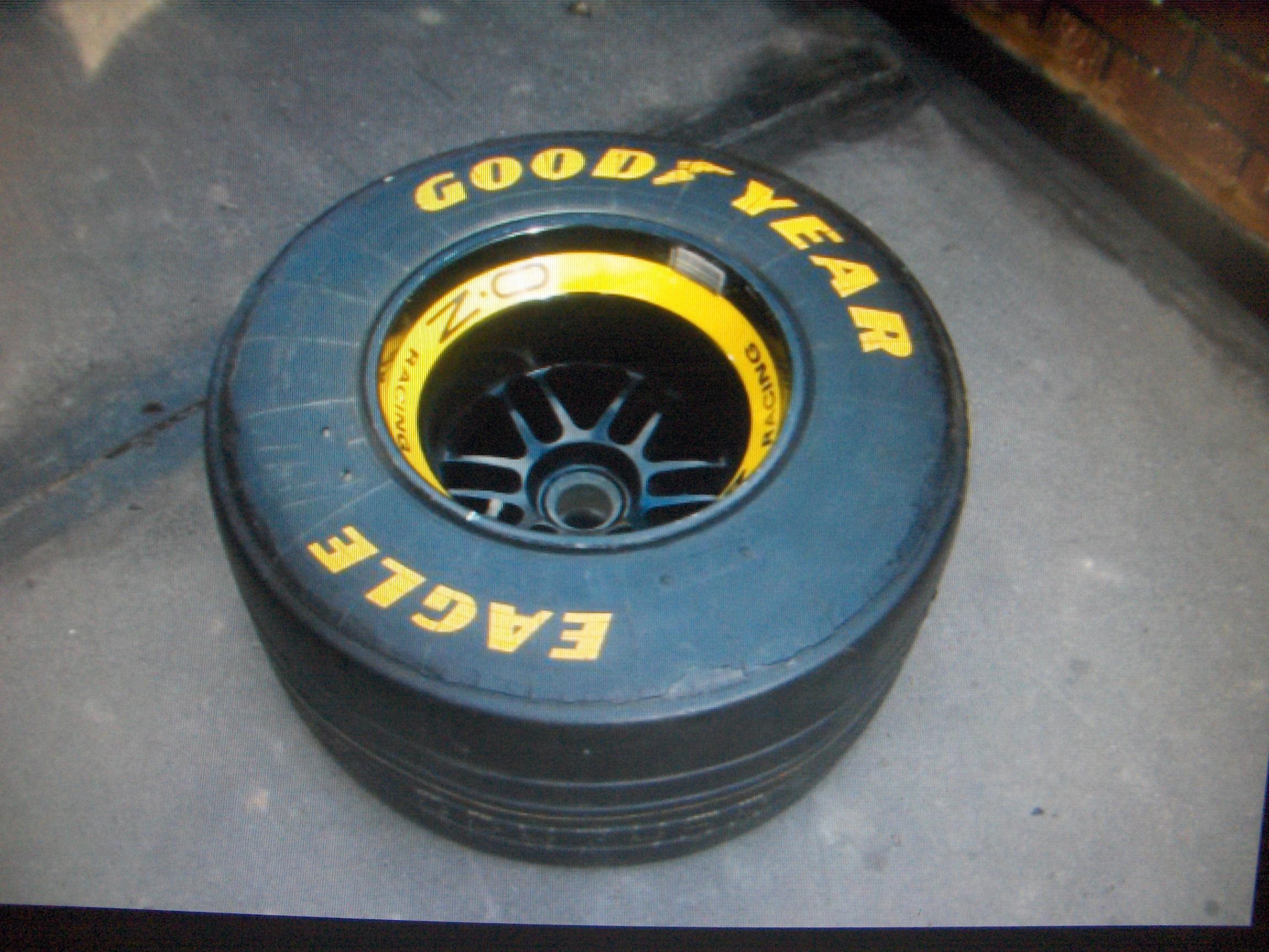 "Formula 1 racing wheel. - ""F1 Motorsport"""