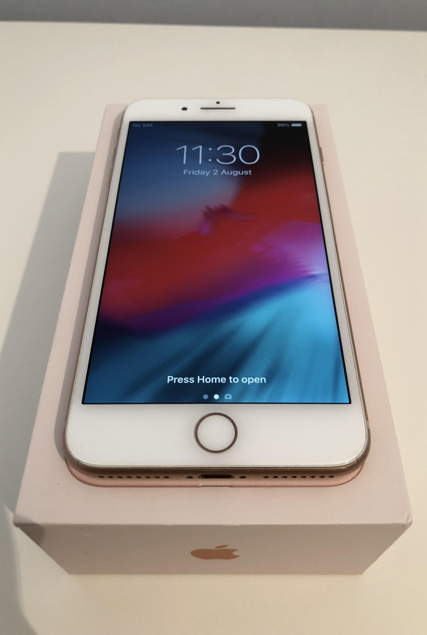 iPhone 8 Plus 64GB Gold (Unlocked)