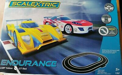 Scalextric 1:32 - Endurance Set - LMP Yellow vs GT Red