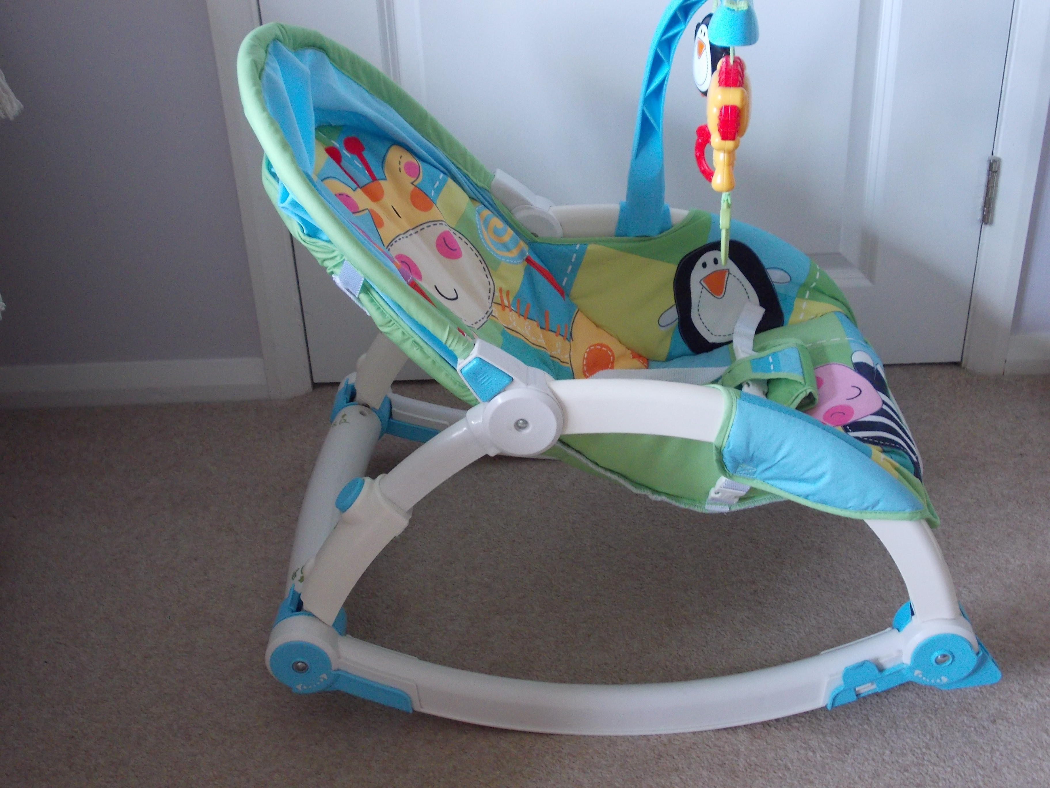 FISHER PRICE VIBRATING ROCKER CHAIR