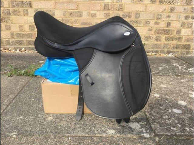 "15"" Thorowgood T4 Pony Club Saddle with Interchangeable"