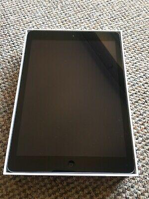 Apple iPad Air 1st Gen. 32GB, Wi-Fi, 9.7in - Space Grey In