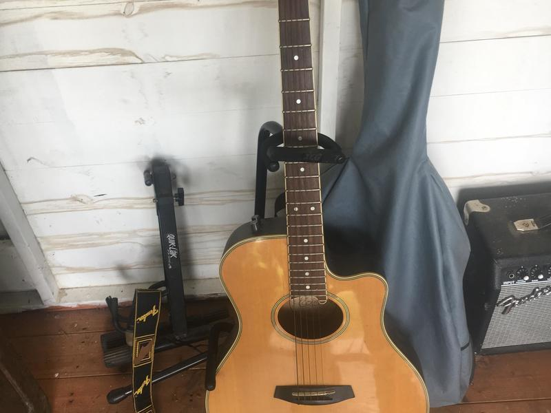 Electric & Acoustic Guitars & Amp for sale.