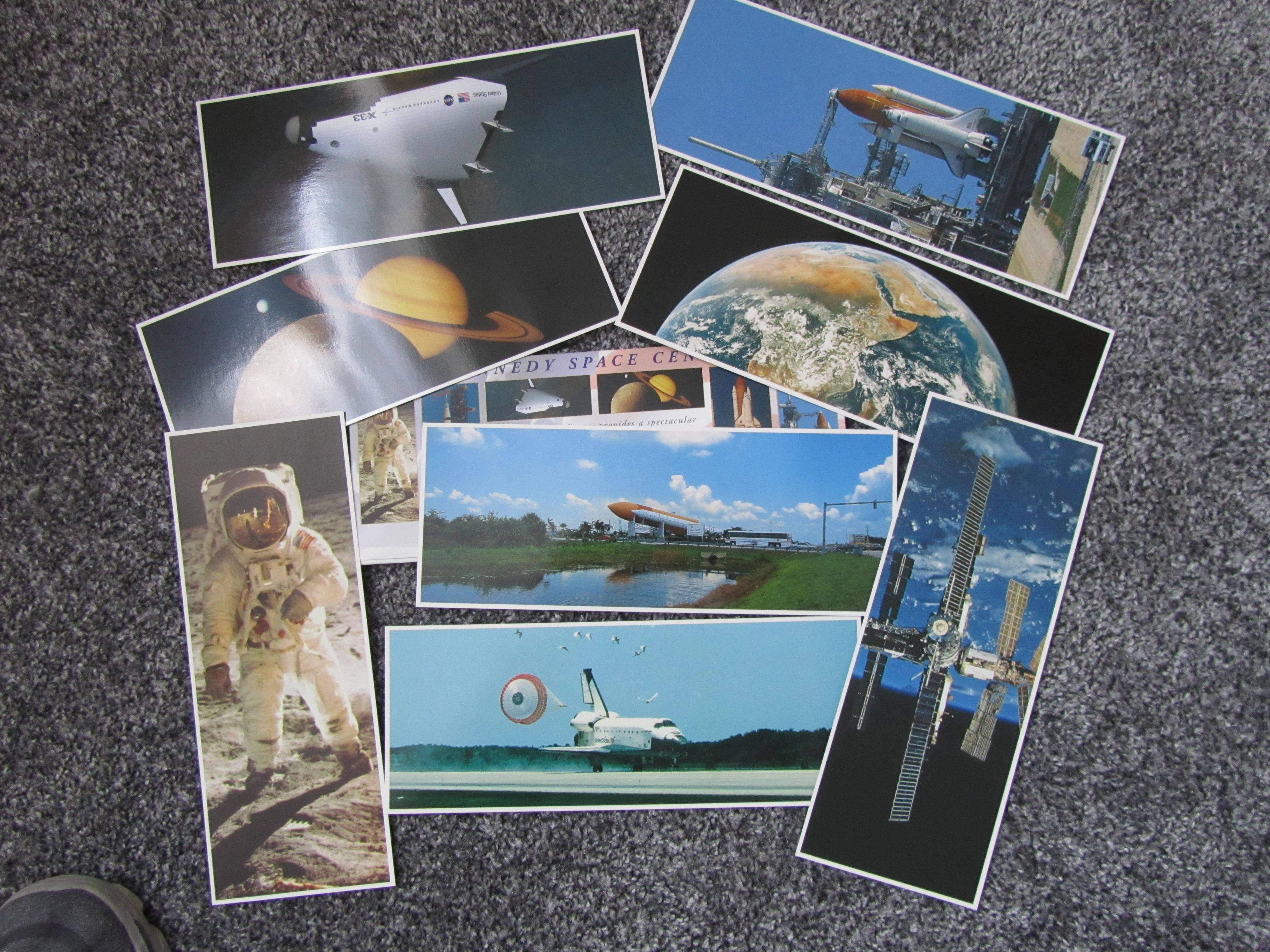 Space Gemini, Apollo and space shuttle photos and badges