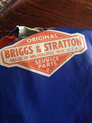 GENUINE BRIGGS & STRATTON CYLINDERHEAD GASKET ,